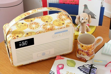Radiouri si accesorii retro