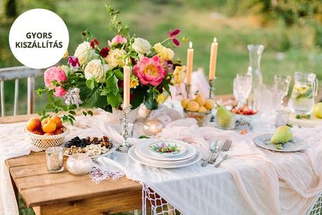 Esküvő a kertben