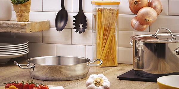 Profesionální kuchyňské nádobí